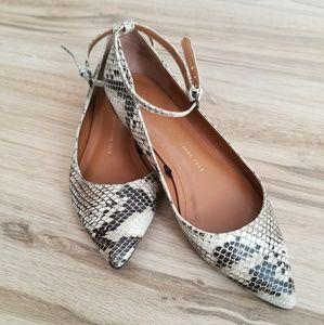 Snakeskin print shoes